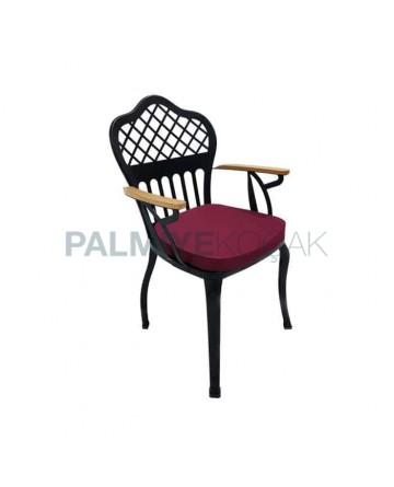 Çapraz Sırt Desenli Ahşap Kollu Metal Ferforje Cafe Restoran Otel Kış Bahçesi Sandalyesi