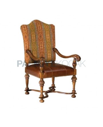 Classic Fabric Upholstered Wooden Classic Armchair