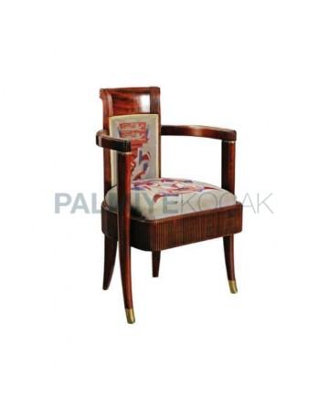 Klasik Kollu Ahşap Boyalı Desenli Kumaşlı Sandalye