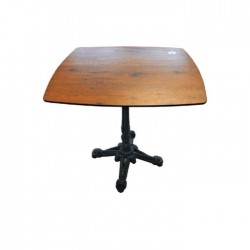 Compact Table with Casting Leg