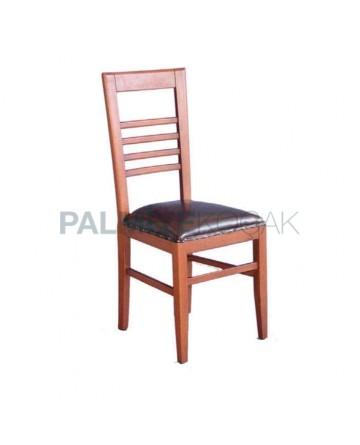 Kabaralı Deri Döşemeli Açık Ahşap Renkli Rustik Sandalye