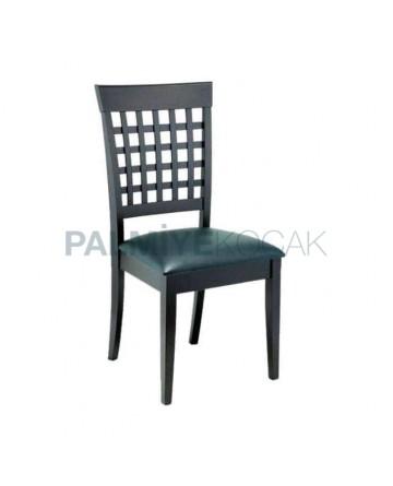 Sırtı Çıtalı Siyah Boyalı Siyah Döşemeli Sandalye