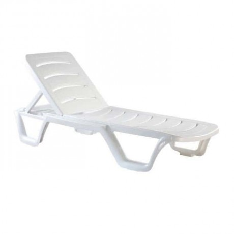 Beyaz Plastik Plaj Şezlongu - str7979